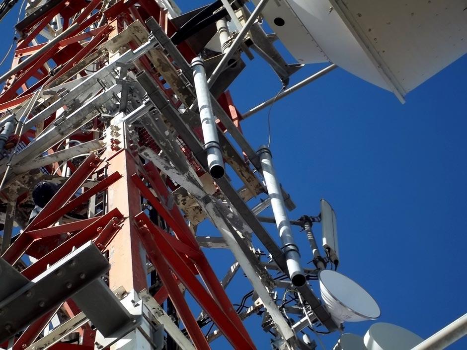 Herrajes para telecomunicaciones grupo garcosa - Soporte para antena ...